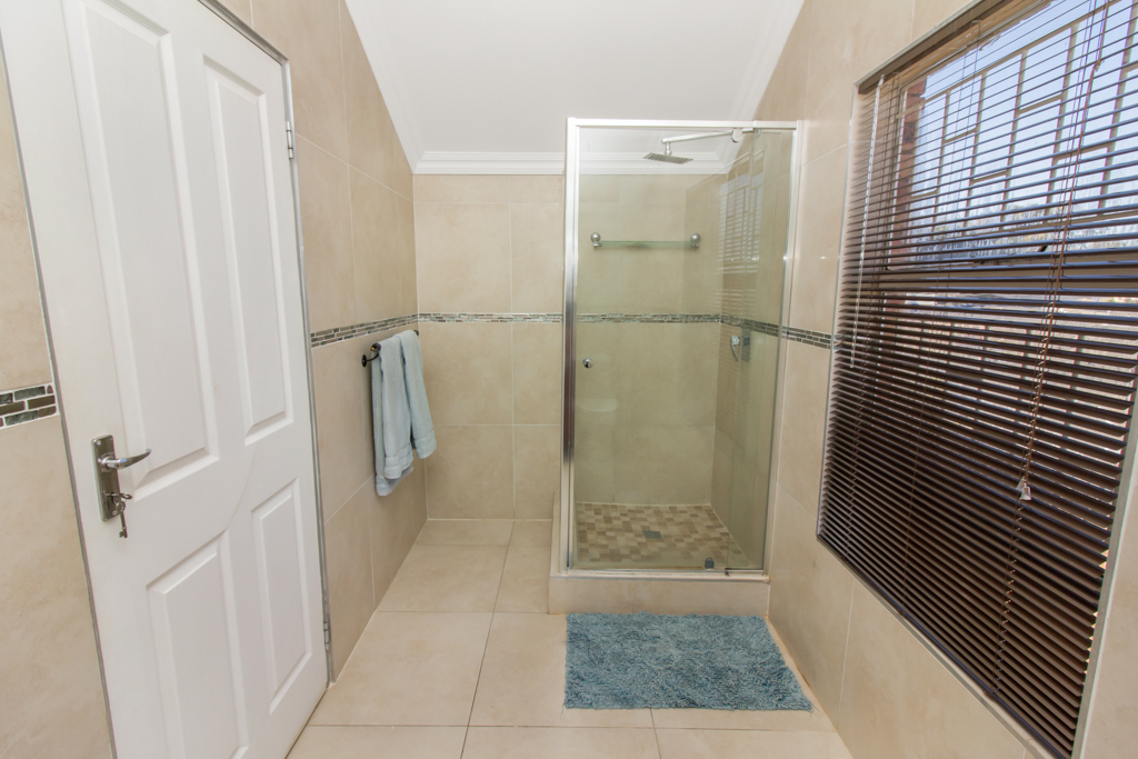 3 Bedroom Townhouse for sale in Radiokop LH-4060 : photo#11