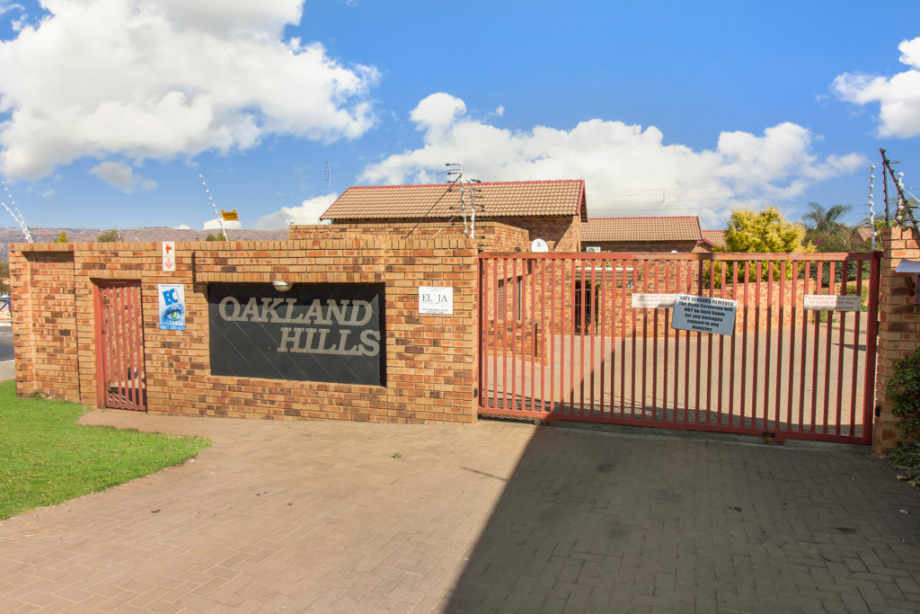 3 Bedroom Townhouse for sale in Radiokop LH-4060 : photo#24