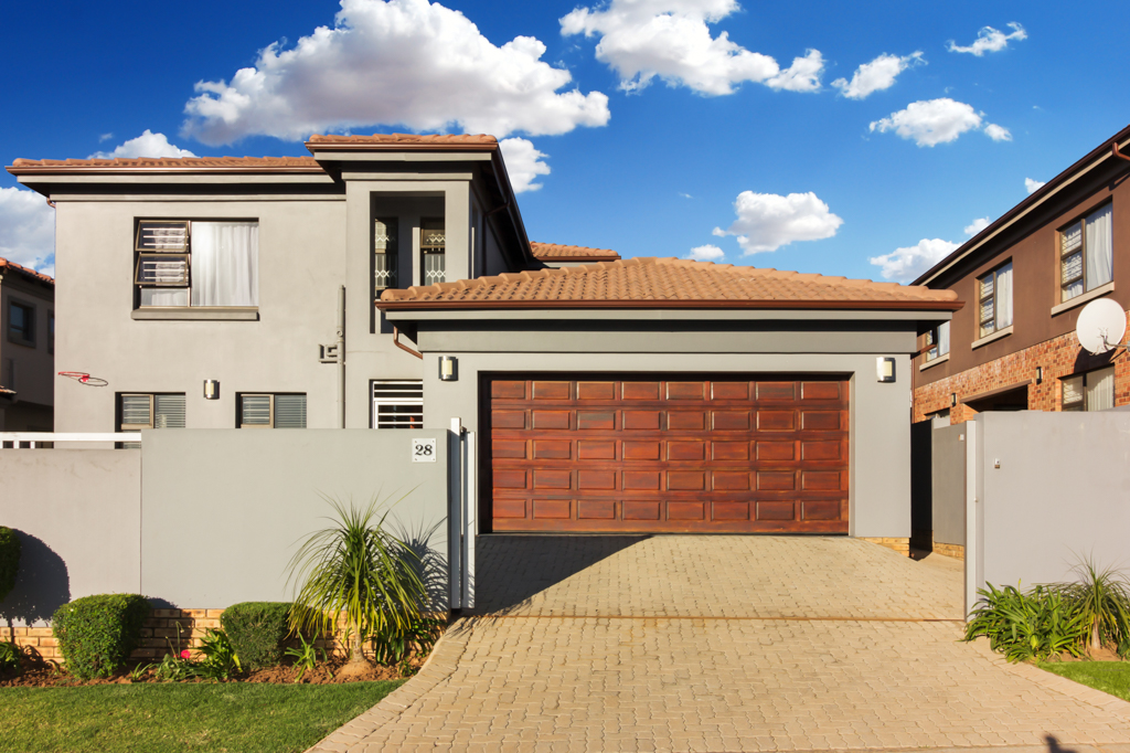 4 BedroomHouse For Sale In Strubens Valley