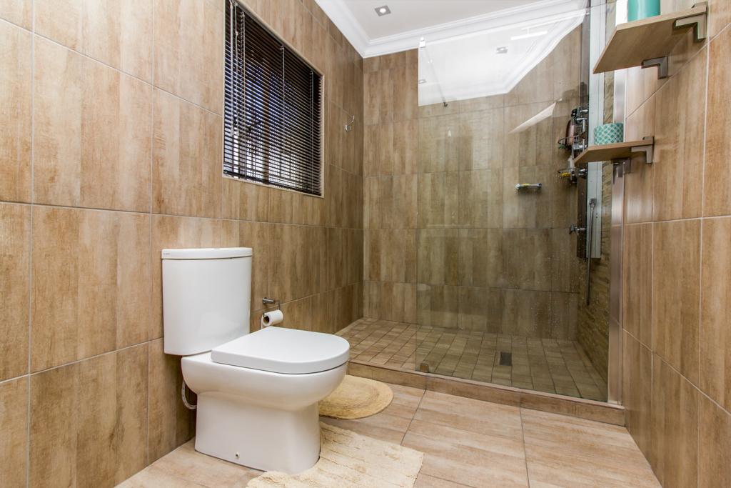 3 Bedroom House for sale in Elandspark LH-4809 : photo#13