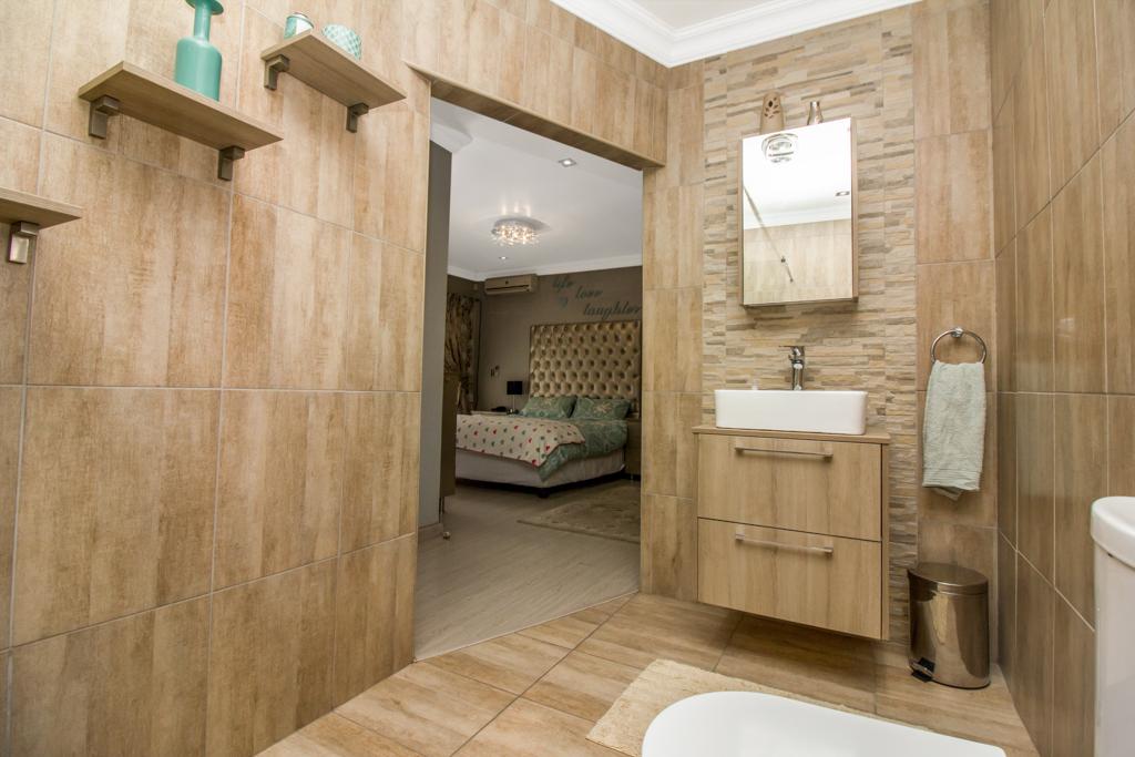 3 Bedroom House for sale in Elandspark LH-4809 : photo#14