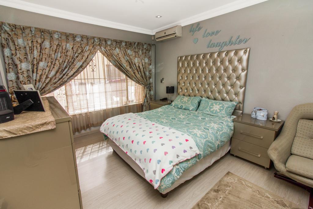 3 Bedroom House for sale in Elandspark LH-4809 : photo#10