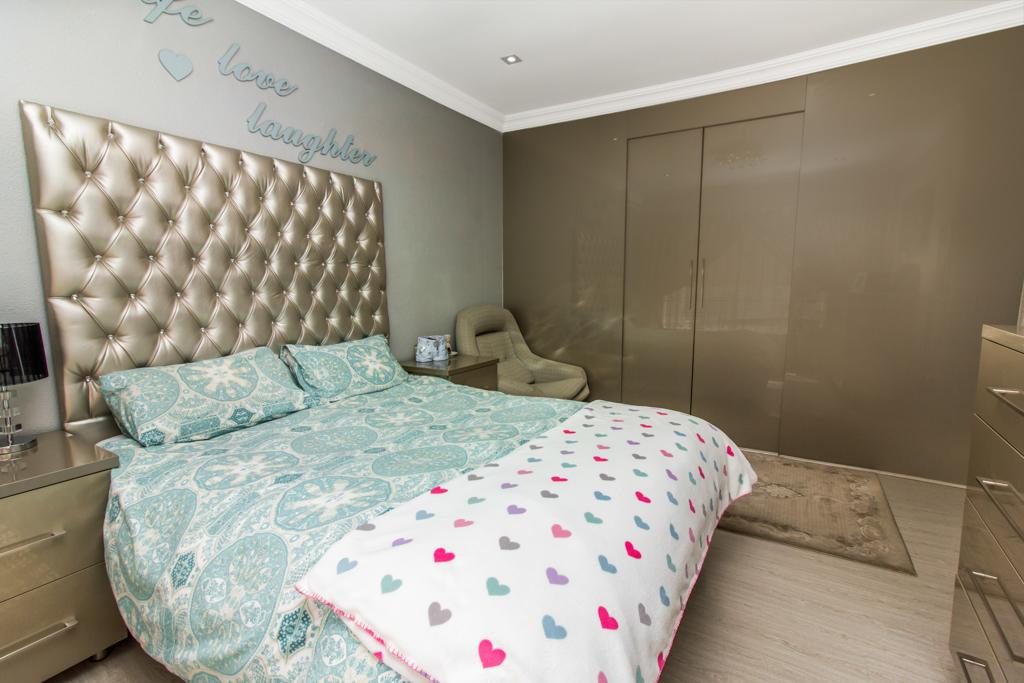 3 Bedroom House for sale in Elandspark LH-4809 : photo#12