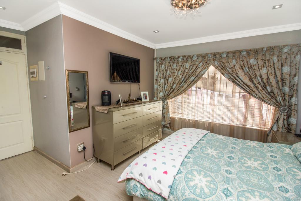 3 Bedroom House for sale in Elandspark LH-4809 : photo#11