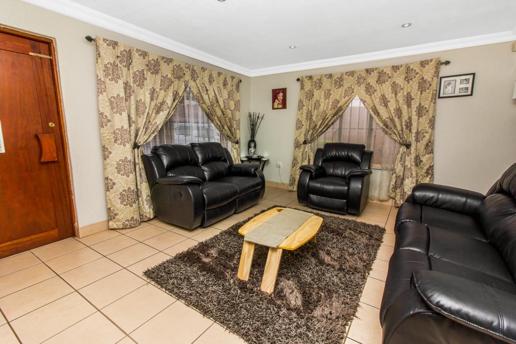 3 Bedroom House for sale in Elandspark LH-4809 : photo#2