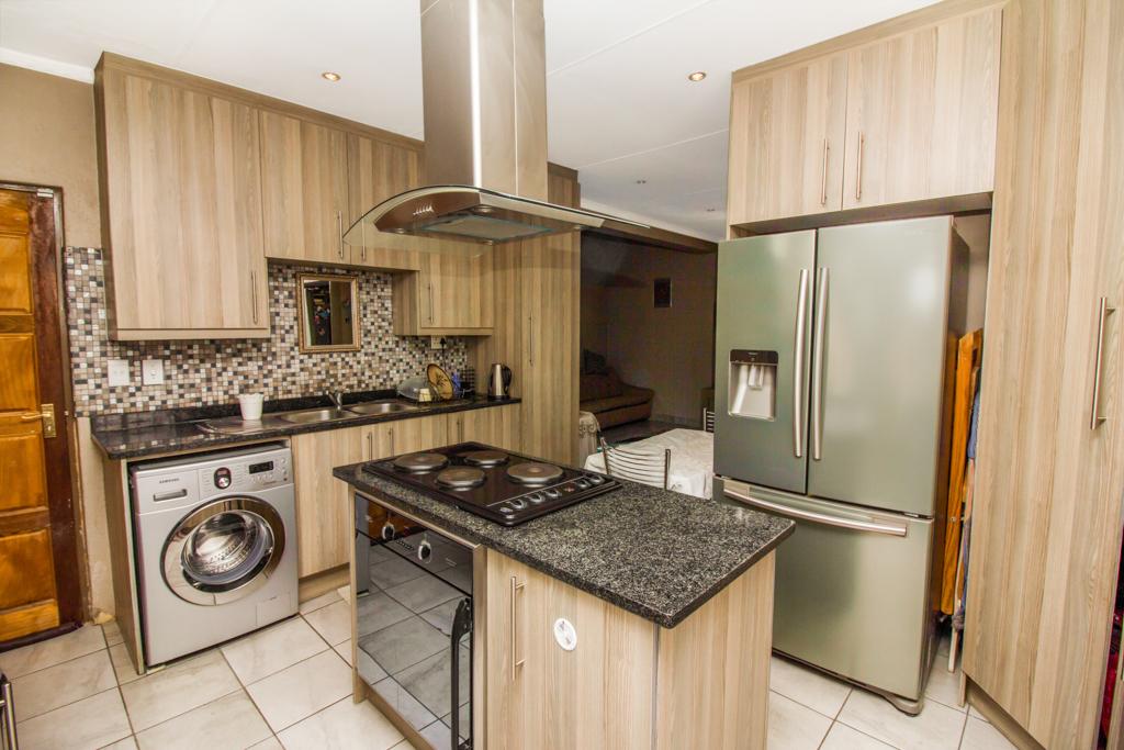 3 Bedroom House for sale in Elandspark LH-4809 : photo#6