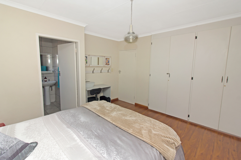 3 Bedroom House pending sale in Elandspark LH-4826 : photo#11