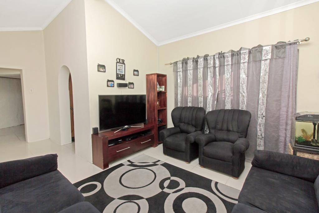 3 Bedroom House pending sale in Elandspark LH-4826 : photo#1