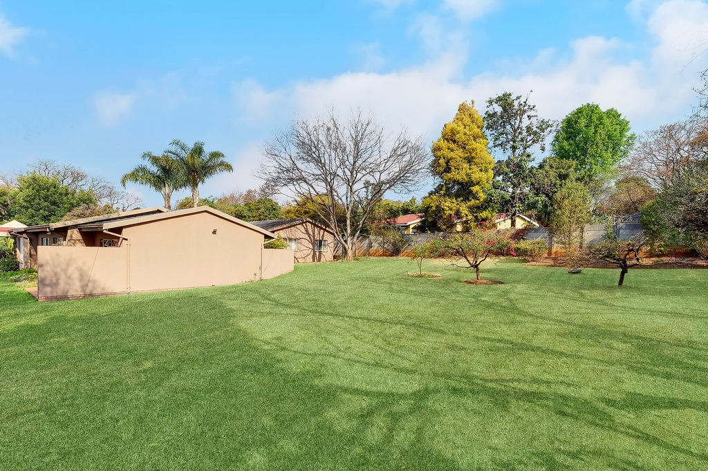 4 Bedroom House pending sale in Robin Hills LH-4827 : photo#18