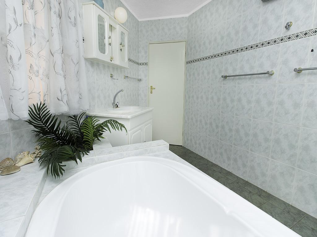 5 Bedroom House for sale in Eldoraigne LH-4829 : photo#24