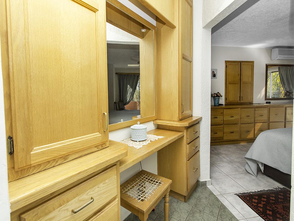 5 Bedroom House for sale in Eldoraigne LH-4829 : photo#21
