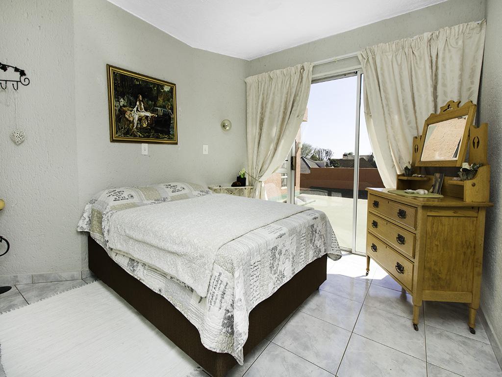 5 Bedroom House for sale in Eldoraigne LH-4829 : photo#25