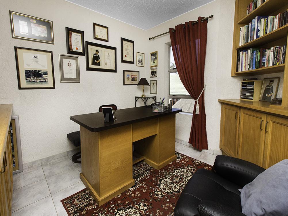 5 Bedroom House for sale in Eldoraigne LH-4829 : photo#33