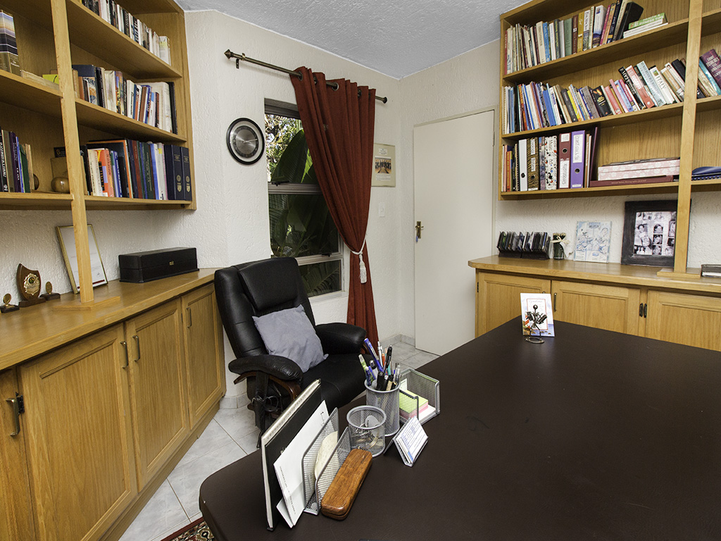 5 Bedroom House for sale in Eldoraigne LH-4829 : photo#34