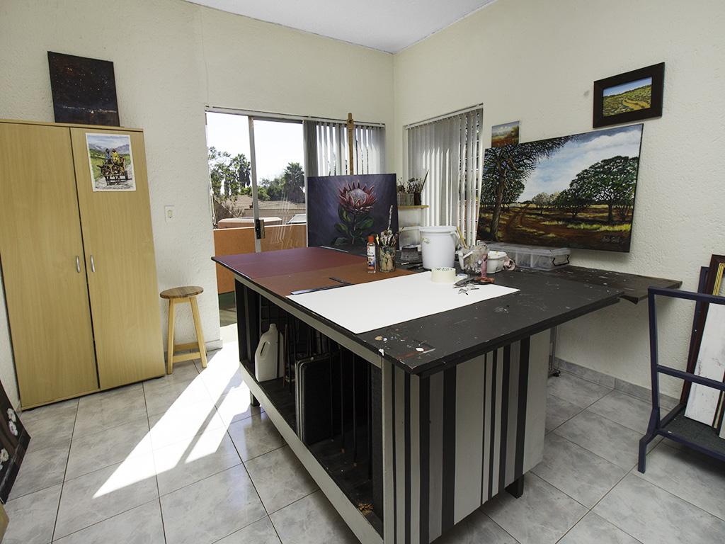 5 Bedroom House for sale in Eldoraigne LH-4829 : photo#35