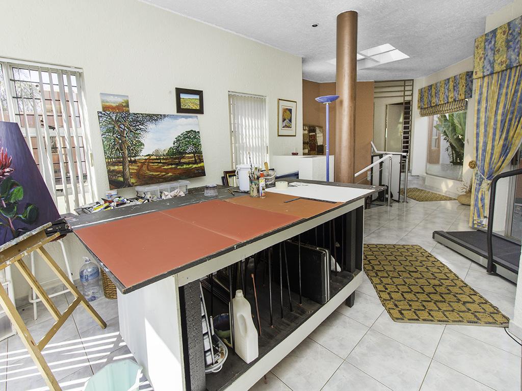 5 Bedroom House for sale in Eldoraigne LH-4829 : photo#36