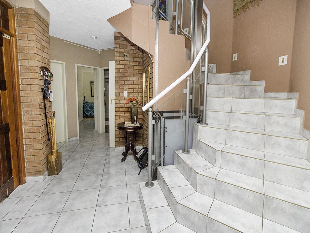 5 Bedroom House for sale in Eldoraigne LH-4829 : photo#17