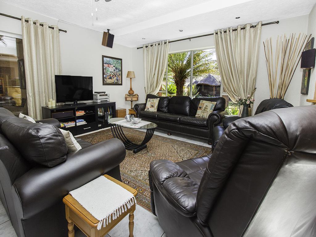 5 Bedroom House for sale in Eldoraigne LH-4829 : photo#3