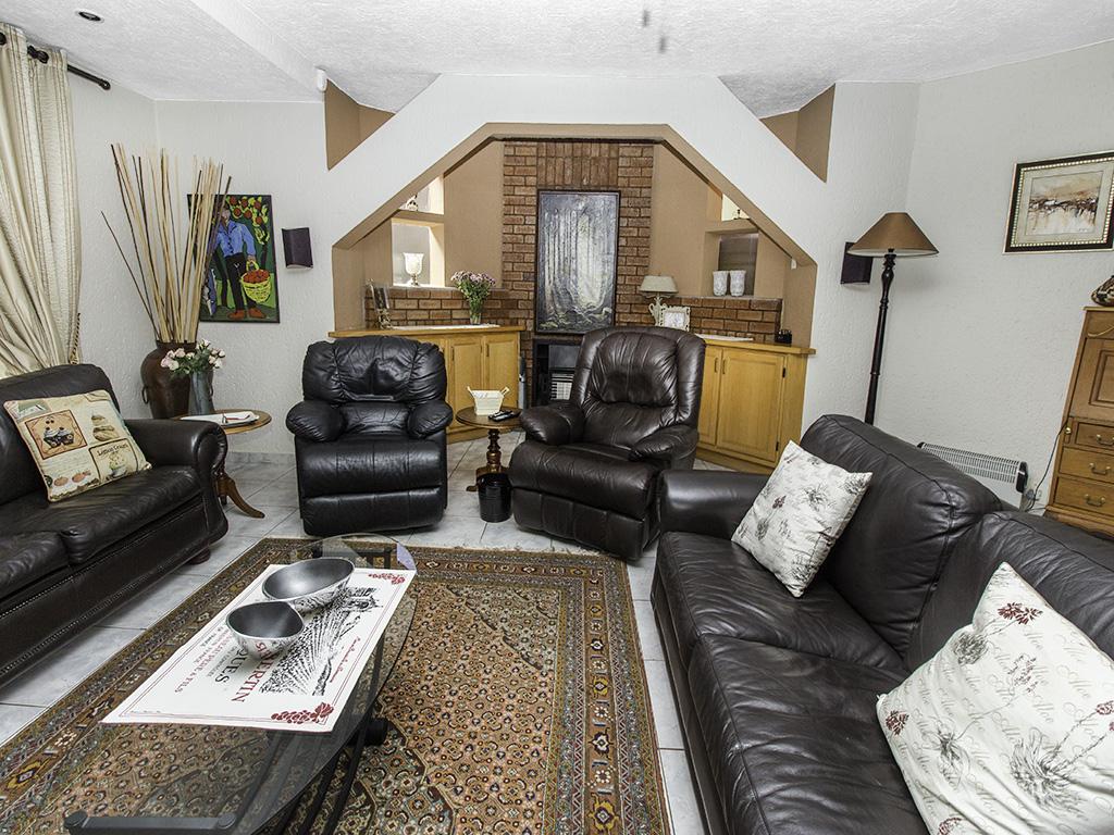 5 Bedroom House for sale in Eldoraigne LH-4829 : photo#4
