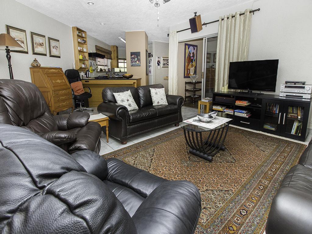 5 Bedroom House for sale in Eldoraigne LH-4829 : photo#2
