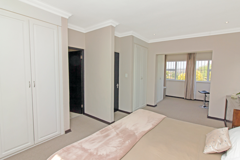 5 Bedroom House for sale in Sunninghill LH-4932 : photo#19