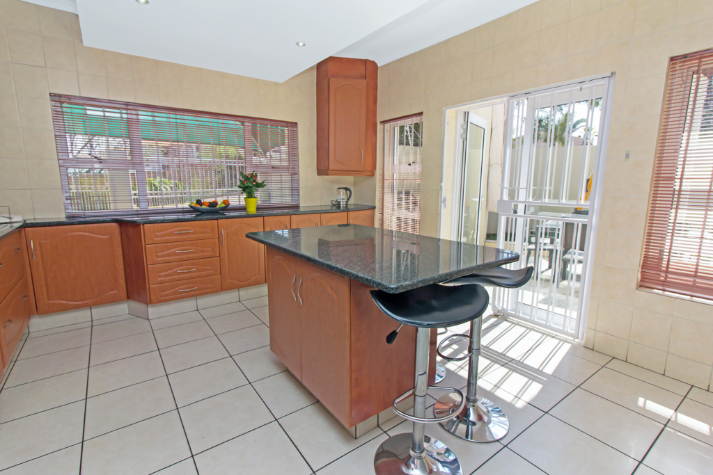 5 Bedroom House for sale in Sunninghill LH-4932 : photo#3