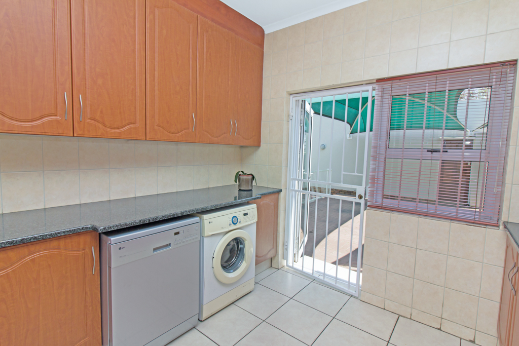 5 Bedroom House for sale in Sunninghill LH-4932 : photo#5