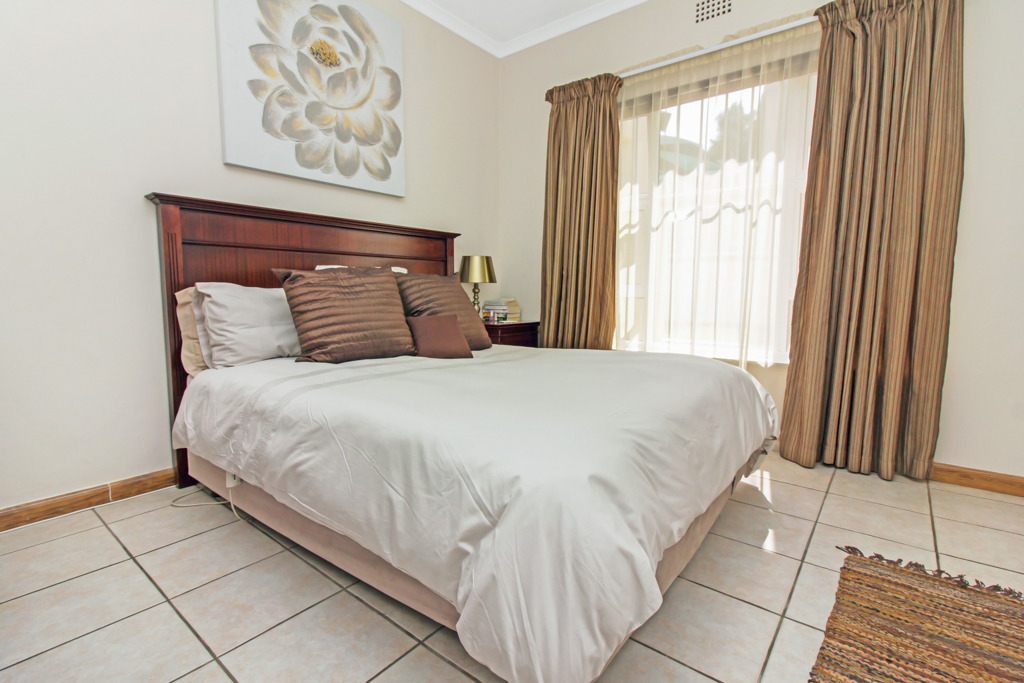 5 Bedroom House for sale in Sunninghill LH-4932 : photo#21