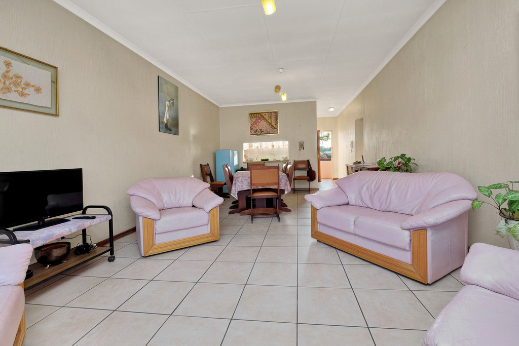 2 Bedroom Apartment for sale in Verwoerdpark LH-4983 : photo#4