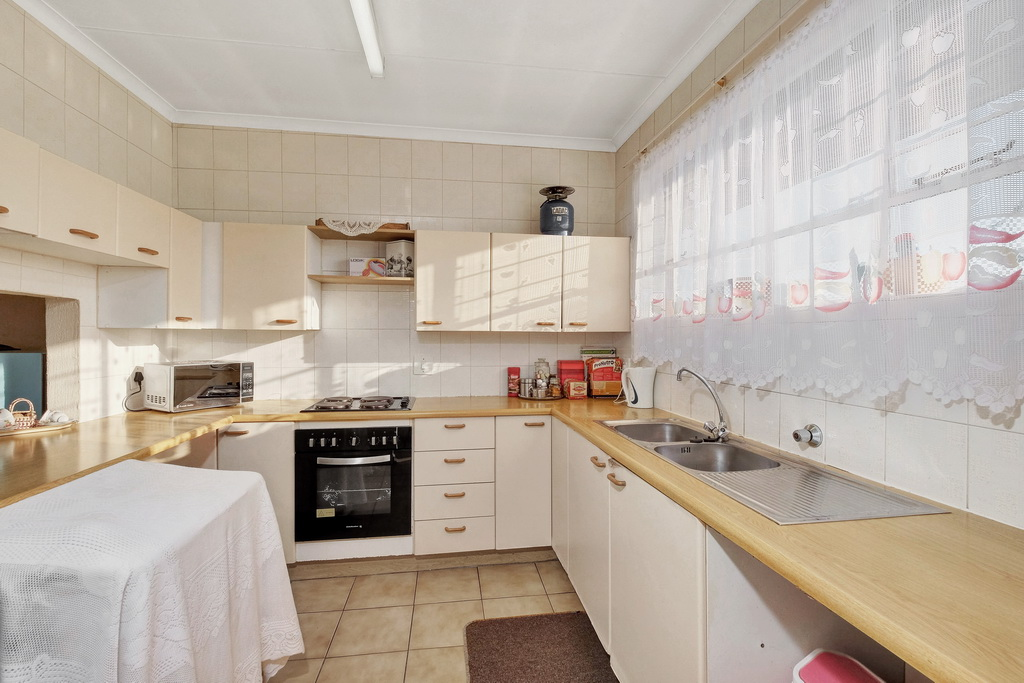 2 BedroomApartment For Sale In Verwoerdpark