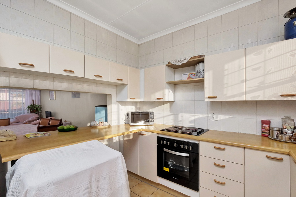 2 Bedroom Apartment for sale in Verwoerdpark LH-4983 : photo#15