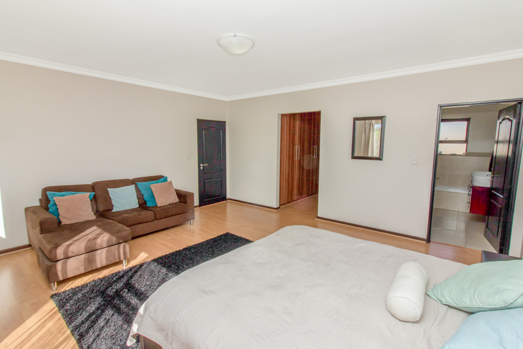 3 Bedroom Apartment for sale in Barbeque Downs LH-4985 : photo#8