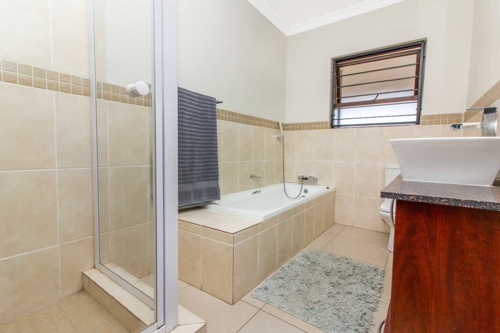 3 Bedroom Apartment for sale in Barbeque Downs LH-4985 : photo#12