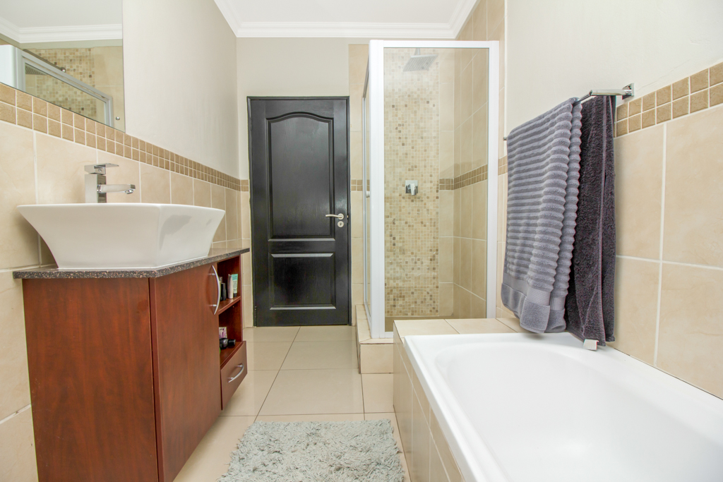3 Bedroom Apartment for sale in Barbeque Downs LH-4985 : photo#15