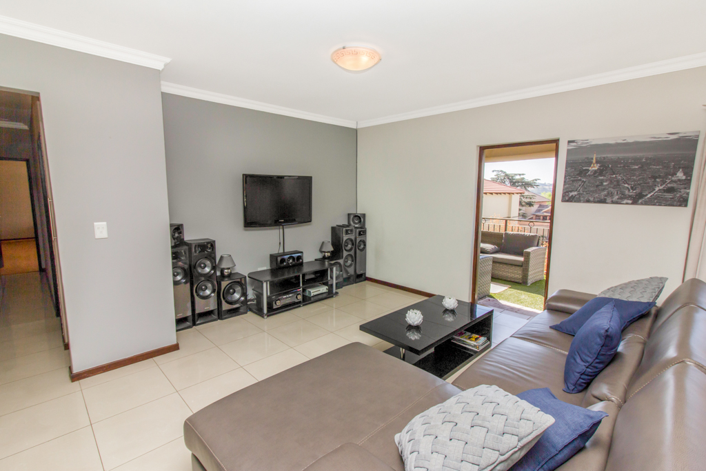 3 Bedroom Apartment for sale in Barbeque Downs LH-4985 : photo#3