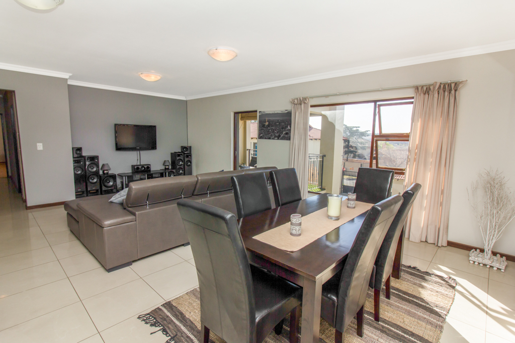 3 Bedroom Apartment for sale in Barbeque Downs LH-4985 : photo#2