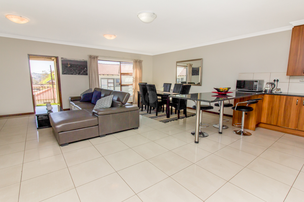 3 Bedroom Apartment for sale in Barbeque Downs LH-4985 : photo#1
