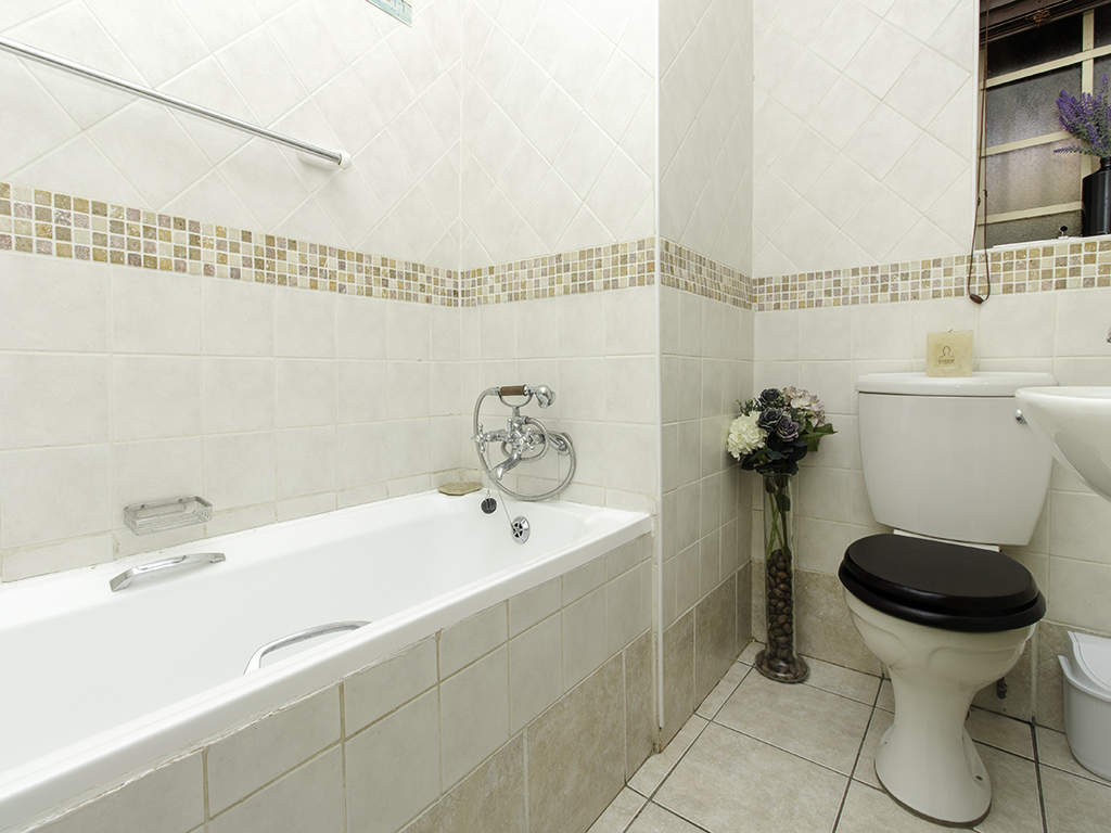 3 Bedroom Townhouse for sale in Eldoraigne LH-4987 : photo#12