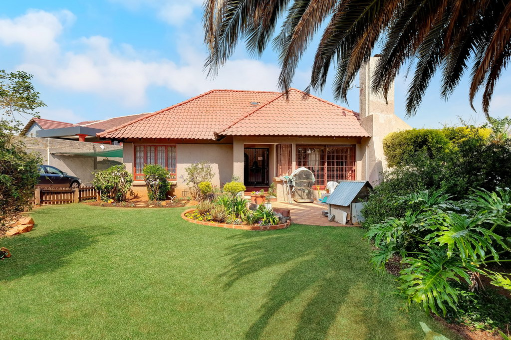 3 Bedroom House for sale in Mondeor LH-5006 : photo#0