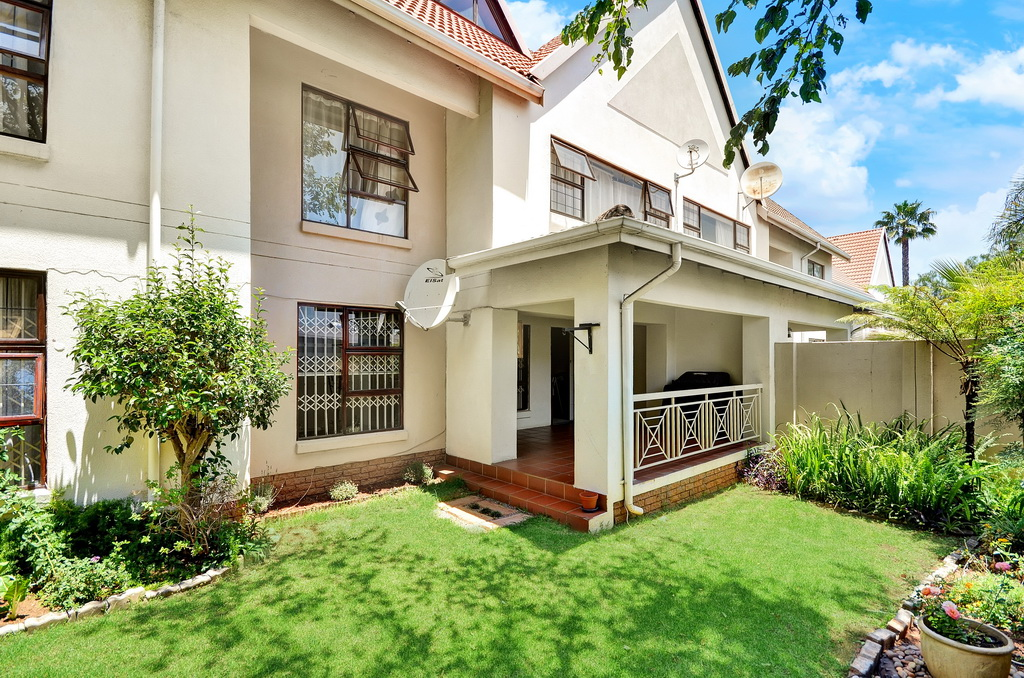 3 BedroomApartment For Sale In Glen Atholl Ext 1