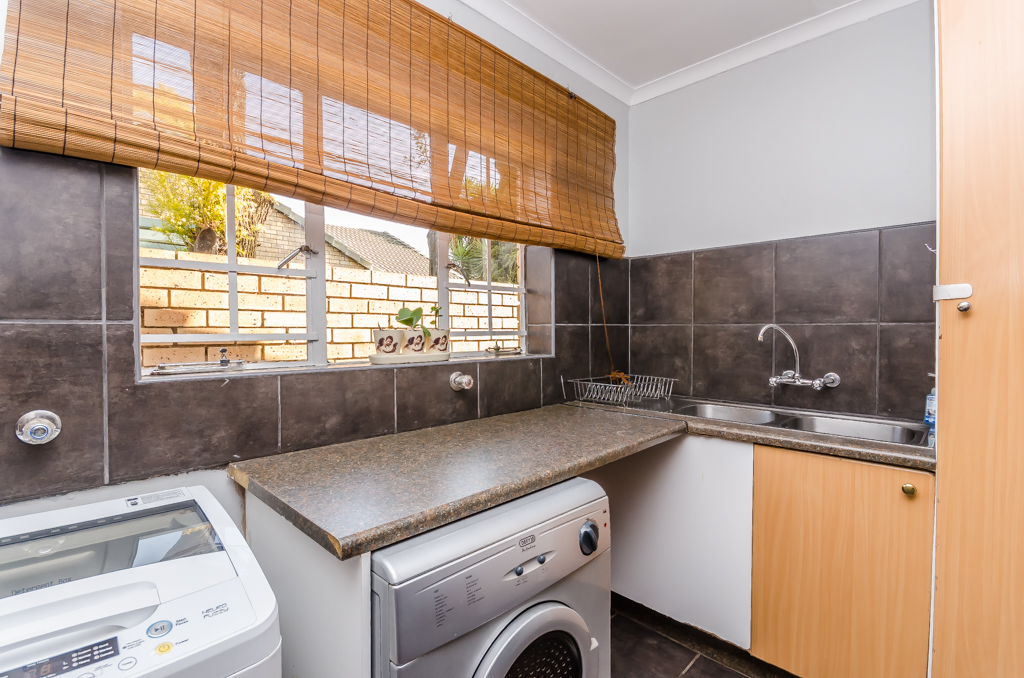 3 Bedroom Townhouse pending sale in Eldoraigne LH-5086 : photo#9