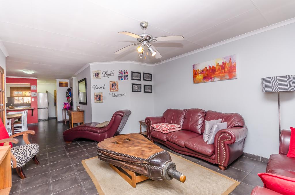 3 Bedroom Townhouse pending sale in Eldoraigne LH-5086 : photo#4