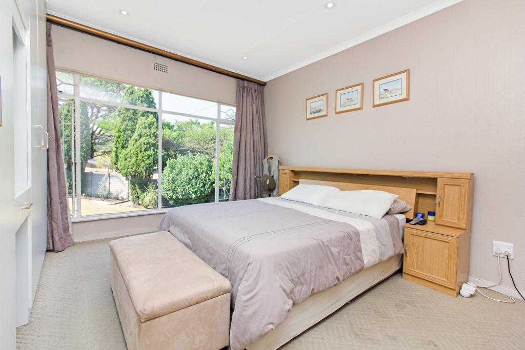 3 Bedroom House for sale in Weltevreden Park LH-5104 : photo#9