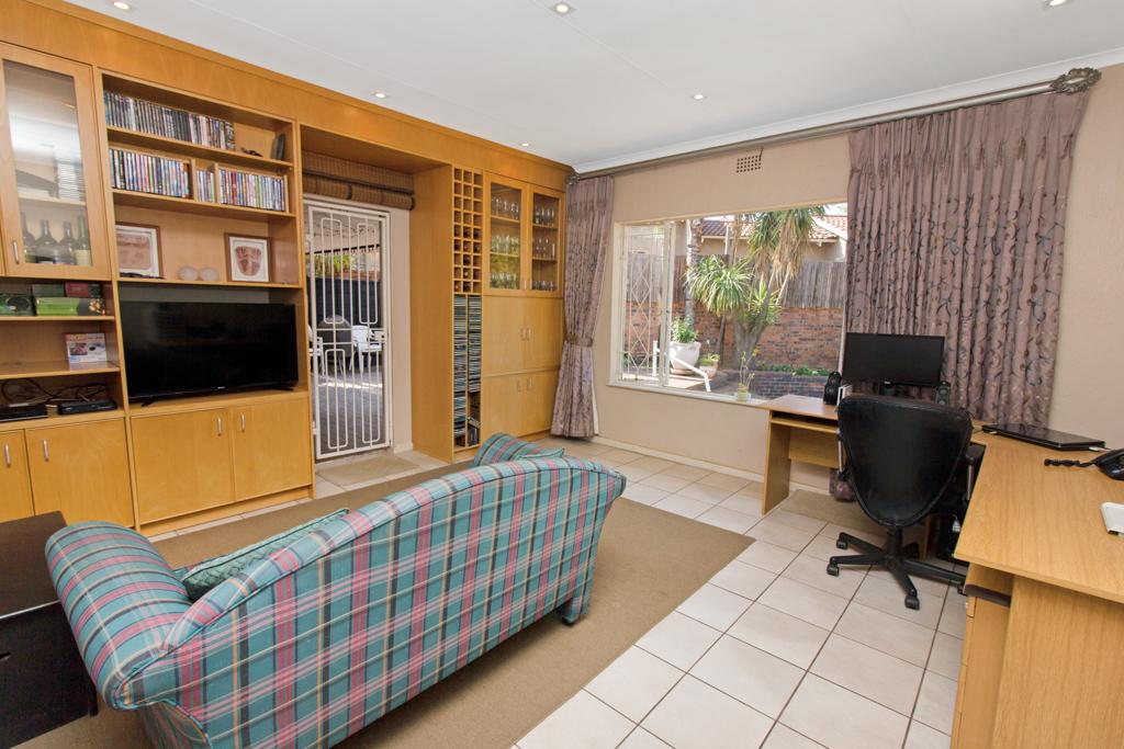 3 Bedroom House for sale in Weltevreden Park LH-5104 : photo#7