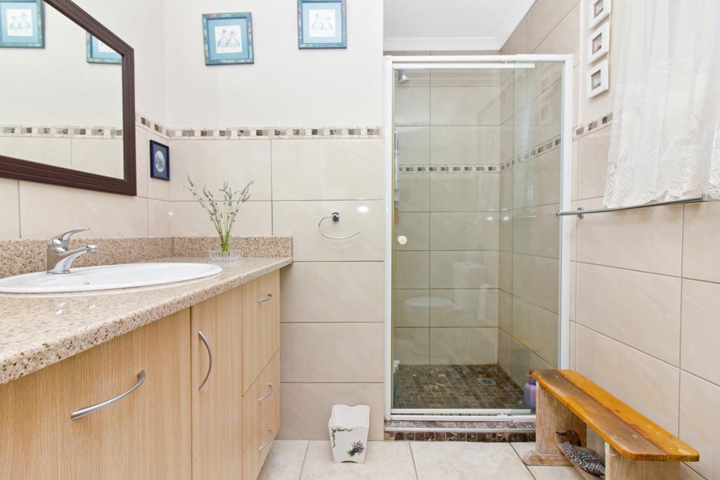 3 Bedroom House for sale in Weltevreden Park LH-5104 : photo#19