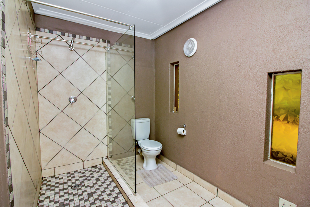 9 Bedroom House for sale in Rynfield LH-5113 : photo#28