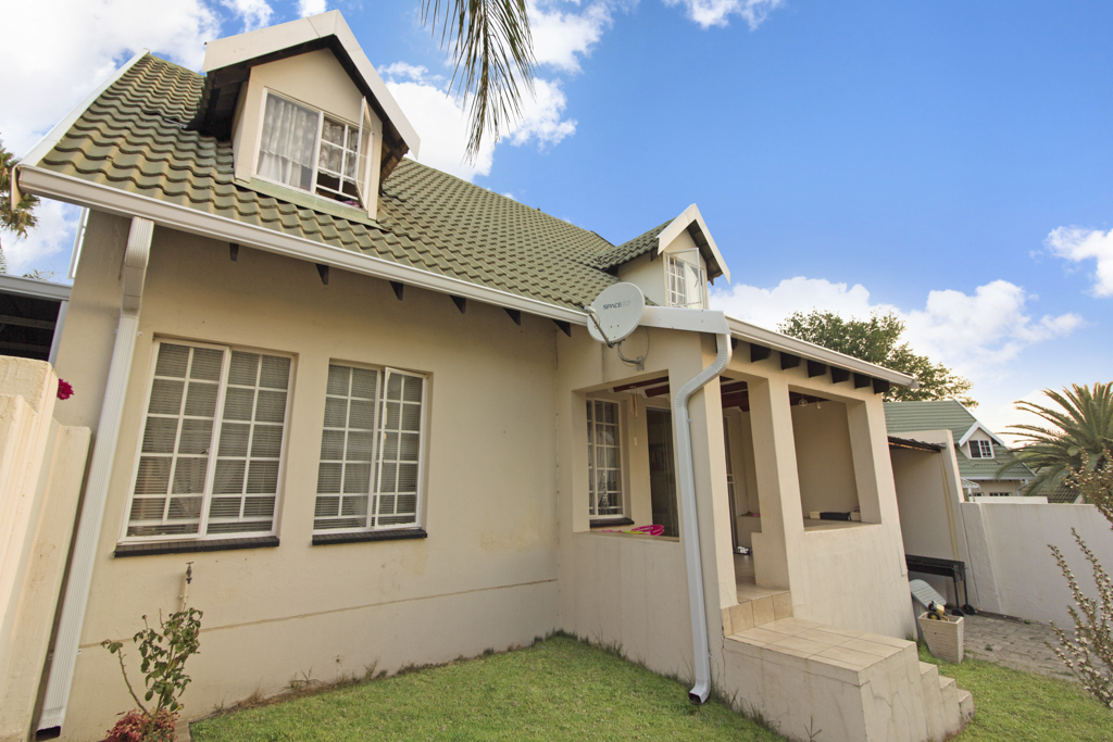 3 Bedroom Townhouse for sale in Sonneglans LH-5166 : photo#1