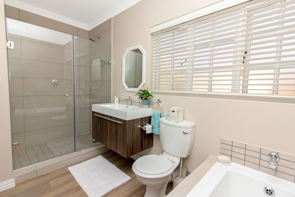 4 Bedroom House for sale in Lone Hill LH-5167 : photo#14