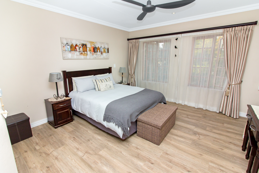 4 Bedroom House for sale in Lone Hill LH-5167 : photo#12