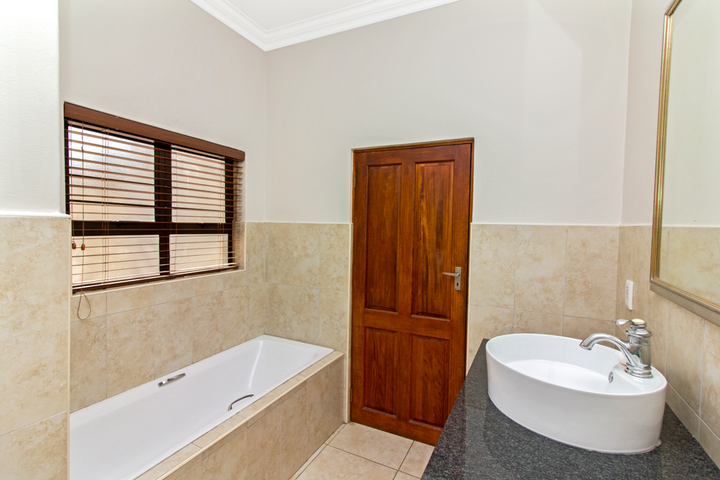 3 Bedroom House for sale in Northcliff LH-5169 : photo#20